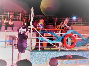 Neptun bei der Äquatortaufe. Ein weltweit übliches Ritual von Seeleuten, wenn ein Passagier oder Besatzungsmitglied zum ersten Mal auf See den Äquator überquert.