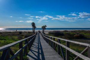 Andalusien ist auch bekannt für seine schönen Strände. Foto: pixabay.com | angelazeta (CC0)
