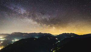 Zu Recht ausgezeichnet: der Nachthimmel über dem Eggentaler Sternendorf. – Foto: David Gruber