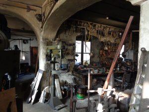 Die Schmiede der Aberls besteht seit über 200 Jahren, genau genommen seit 1813. - Foto: Dieter Warnick