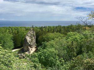 Der Sugar Loaf Rock auf Mackinac Island.