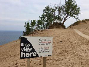 """Aussichtspunkt in den """"Sleeping Bear Dunes""""."""