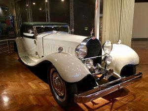 ... und Luxus (Bugatti).