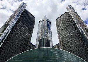 Detroit. Das GM Headquarter.
