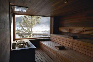 Entspannung pur: Sauna mit Seeblick. Foto: Hotel Hochschober