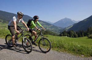 Mit dem Mountainbike geht's runter ins Tal. - Foto: TVB Pitztal / Christian Forcher