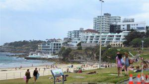 Bondi Beach ist einer der berühmtesten Strände Australiens und ein Paradies der Surfer.