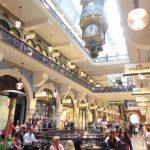 """Pierre Cardin bezeichnete das Queen Victoria Building, ein viktorianisches Gebäude im Zentrum von Sydney, als """"das schönste Einkaufszentrum der Welt""""."""