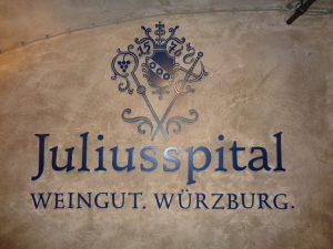 Seit über 440 Jahren bestehen die Stiftung Juliusspital und ihr Auftrag, mildtätig und gemeinnützig für das Wohl von Alten, Kranken und Bedürftigen einzutreten. – Foto: Dieter Warnick