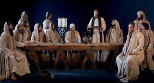 Jesus versammelt seine Jünger zum Abendmahl. – Foto: Passionsspiele Oberammergau 2020