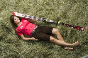 Ski-Rennläuferin Christina Ager ist auf der Stöcklalm oberhalb von Söll am Wilden Kaiser/Tirol aufgewachsen. – Foto: Christoph Ascher