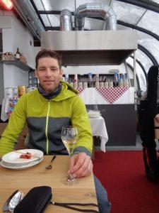 Benni Raich ist der bekannteste Sportler des Pitztals. Seine Trophäensammlung ist umfangreich. – Foto: Dieter Warnick
