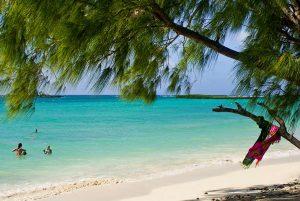 Kein Wunder, warum das Smaradgmeer Smaragdmeer heißt. – Foto: Office National du Tourisme de Madagascar