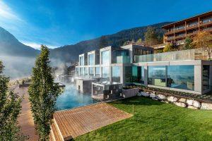 """... wurde die neue Außenpoolanlage, das """"MOHR escape"""", eröffnet. – Fotos: Hotel Mohr Life Resort Lermoos"""