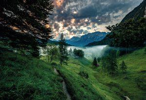 Der Spitzenwanderweg verbindet atemberaubende Orte der Zugspitz Region. - Foto: Zugspitz-Region / Erika Spengler