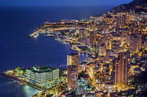 Monaco bei Nacht. Foto: pixabay.com | Julius_Silver