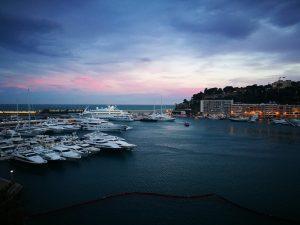 Luxusyachten - häufig gesehen in Monaco. Foto: pexels.com