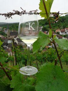 Im Weinort Beckstein verehrten die Winzer St. Kilian als Schutzpatron. Aus diesem Grund haben sie dort die Premiumlinie nach ihm benannt. – Foto: Dieter Warnick