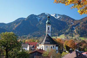 """Herbstzeit ist Wanderzeit: Lenggries ist Startpunkt der """"Wanderherbst""""-Touren. – Foto: Tourismus Lenggries / Christian Bäck"""