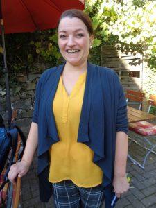 Stefanie Cordes, Besitzerin vom Hotel Lindenhof in Bad Laasphe-Hesselbach, ist immer gut gelaunt.