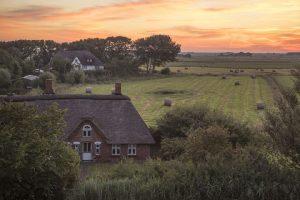 Sonnenuntergang in Westerhever auf der Nordseehalbinsel Eiderstedt. – Foto: Oliver Franke