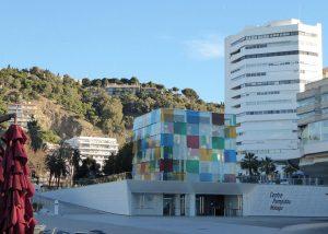 Das Museo Pompidou an der Costa del Sol kann man besuchen kann, wenn man das Centro de Arte Contemporáneo de Málaga (CAC), ein Museum für zeitgenössische Kunst, das Museo Picasso, welches 204 Werke des Künstlers aus einer Erbenschenkung besitzt, und das Museo Carmen Thyssen mit dem Schwerpunkt auf der Kunst des 19. Jahrhunderts gesehen hat.