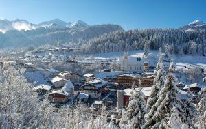 Fieberbrunn ist ein Dorf wie aus dem Bilderbuch. Die Marktgemeinde liegt im Tal der Fieberbrunner Ache zwischen den Kitzbüheler Alpen im Süden und westlichen Ausläufern der Leoganger Steinberge. – Foto: Petra Astner