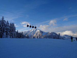 Die Gondelbahn in Fieberbrunn führt von der Talstation Streuböden hinauf bis zum Lärchfilzkogel auf 1645 Meter Höhe. – Foto: Dieter Warnick