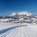 """Die beschauliche Ortschaft Hochfilzen hat 1200 Einwohner, ist weithin als """"Schneeloch"""" bekannt und als Biathlon-Hochburg bei den Athleten in aller Welt geschätzt. - Foto: rolart-images"""