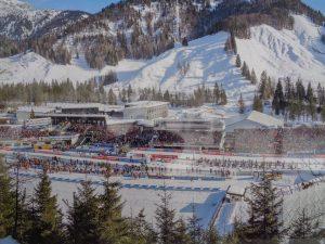 Jedes Jahr ein Publikumsrenner ist das Weltcup-Wochenende in der Biathlon-Hochburg Österreichs. - Foto: Dieter Warnick