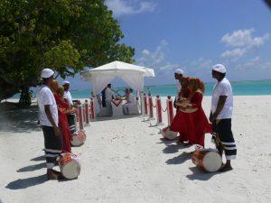 Der wichtigste Moment im Leben umrahmt von maledivischen Klängen und Natur.