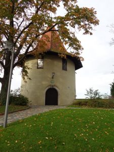 Der Pulverturm steht am westlichsten Punkt der Insel und ist Teil der Ummauerung der Stadt. – Foto: Dieter Warnick