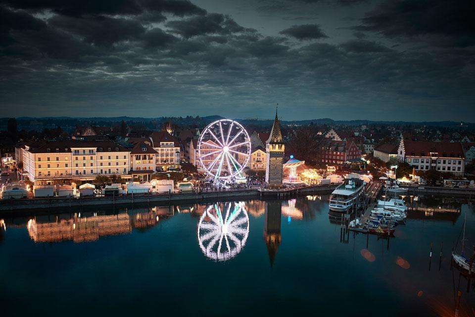 Der Lindauer Jahrmarkt findet bereits seit 1652 statt und ist ein wahrer Besuchermagnet. Rund um die Seehafenpromenade, am Reichsplatz sowie am Bahnhofsplatz laden über 60 Schausteller zum Vergnügen ein. – Foto: Hari Pulko / Lindau-Tourismus
