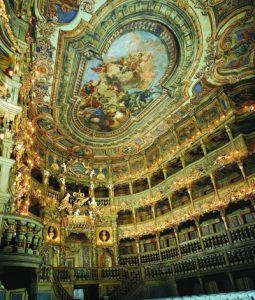 Das Markgräfliche Opernhaus gilt als das schönste und größte erhaltene Barocktheater Europas. Es soll in den neu gestalteten Kultursommer mit einbezogen werden. – Foto: Marketing & Tourismus GmbH Bayreuth