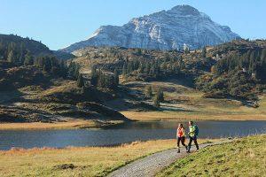 """Wer sich entschließt, auf dem """"Lechweg"""" zu wandern, bekommt tolle Natureindrücke geboten. – Foto: Gerhard Eisenschink"""