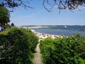 Wenn das Wetter mitspielt, ist der Strand in Kiel-Schilksee ein Paradies. - Foto: Dieter Warnick