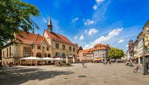 Stadtansicht Göttingen mit Marktplatz, altem Rathaus und Gänselieselbrunnen. – Foto: Lars Gerhardts