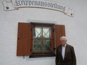 Krippenbauer Ludwig Reiser hat 21 Weihnachtskrippen für die Ewigkeit gebaut. – Foto: Dieter Warnick
