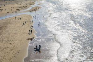 Am Strand in Holland. Foto: Valdas Miskinis auf Pixabay
