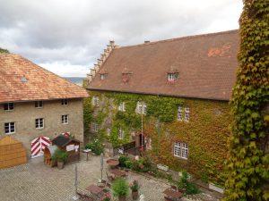 Imposant – der Innenhof von Schloss Saaleck. – Foto: Dieter Warnick
