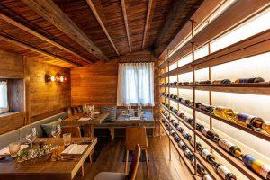 Die Baita Piè Tofana hat 700 erlesene Weine im Angebot. – Foto: PaderniEyeStudio