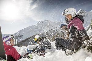 Genuss, Spaß und Entspannung - mit dem neuen Ski(s)pass ist freie Fahrt für Anfänger jeden Alters garantiert. – Foto: Imst Tourismus / RudiWyhlidal.