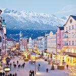Funkelnder Lichterglanz breitet sich im Winter in der Innsbrucker Innenstadt aus. - Foto: Innsbruck Tourismus