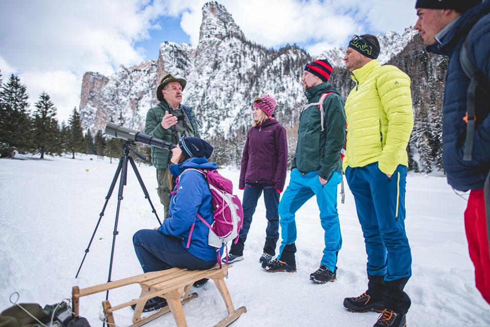 Auf der Tour entdecken die Teilnehmer Südtiroler Wildlife hautnah. – Foto: Val Gardena-Grödental