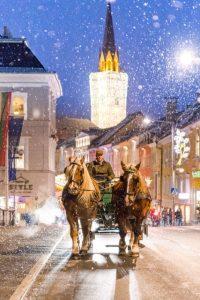 Mit zwei PS durch die Villacher Innenstadt. - Foto: Region Villach Tourismus / Michael Stabentheiner