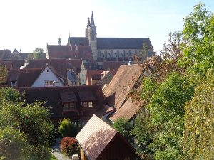 Über den Dächern von Rothenburg. – Foto: Dieter Warnick