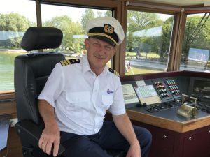 Helmut Diller ist seit 30 Jahren Ammersee-Kapitän. – Foto: Kunz-PR