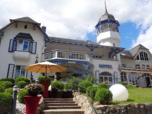 Das Hotel Villa Gropius, war früher die Sommerresidenz von Bauhaus-Gründer Walter Gropius (1883-1969). – Foto: Dieter Warnick