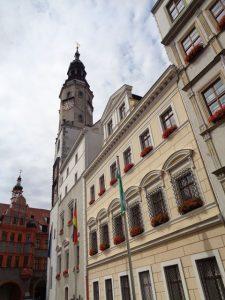 Das Alte Rathaus ist seit etwa 1350 Ort der städtischen Verwaltung. Der Rathausturm wurde Anfang des 16. Jahrhunderts aufgestockt. – Foto: Dieter Warnick